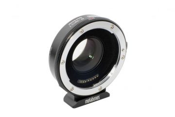 canon mirrorless booster